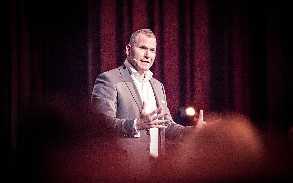 Martin Limbeck | Es ist nie zu spät für eine glückliche Kindheit. Deine Persönlichkeit ist für Erfolg entscheidend.